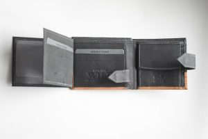 Kozni novčanik Wild -S dvostruko otvoren