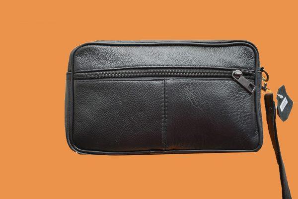 zadnja strana muške kožne torbe torbe